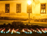 Podravina, Suhopolje, 171112 - Povodom obiljezavanja dana pada Vukovara mjestani pale svijece